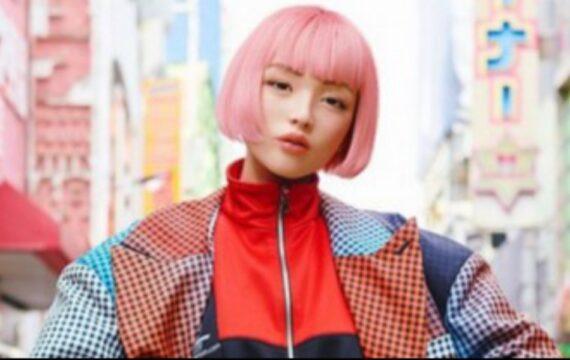 Gadis Virtual Jepang & Fenomena Hiperealitas